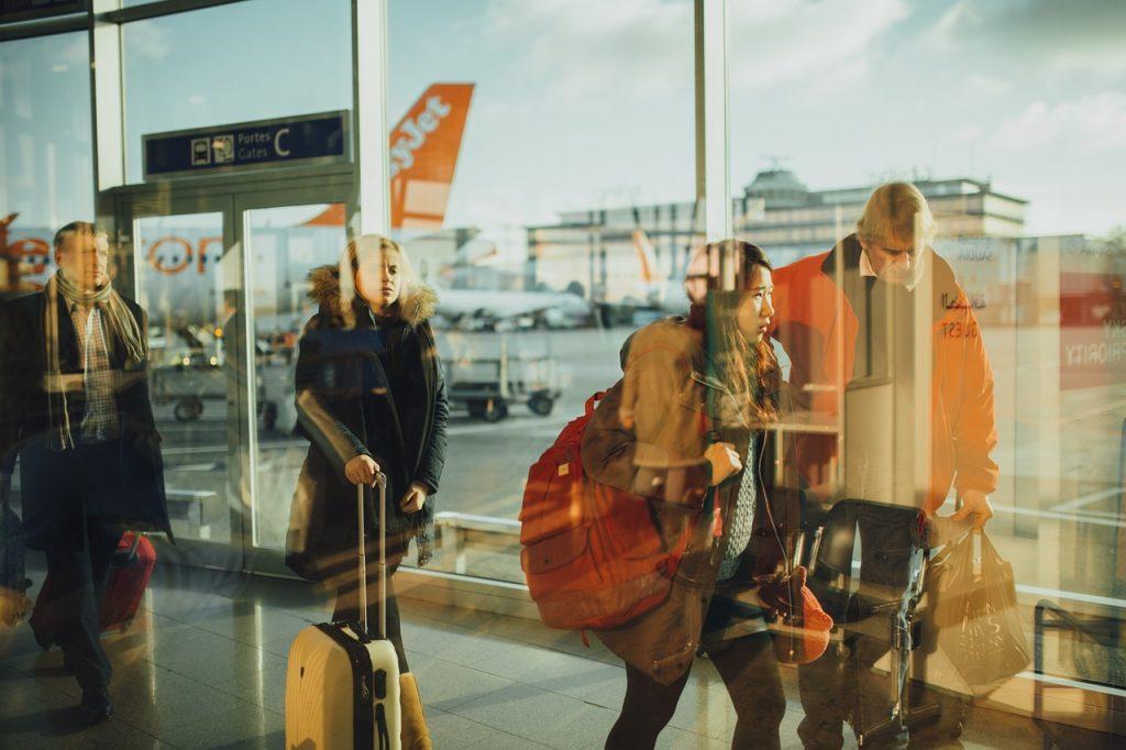 airport-731196_1280-2.jpg