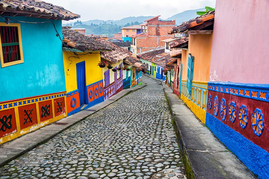 colombia_colourful_building_20160531-163338_1.jpg