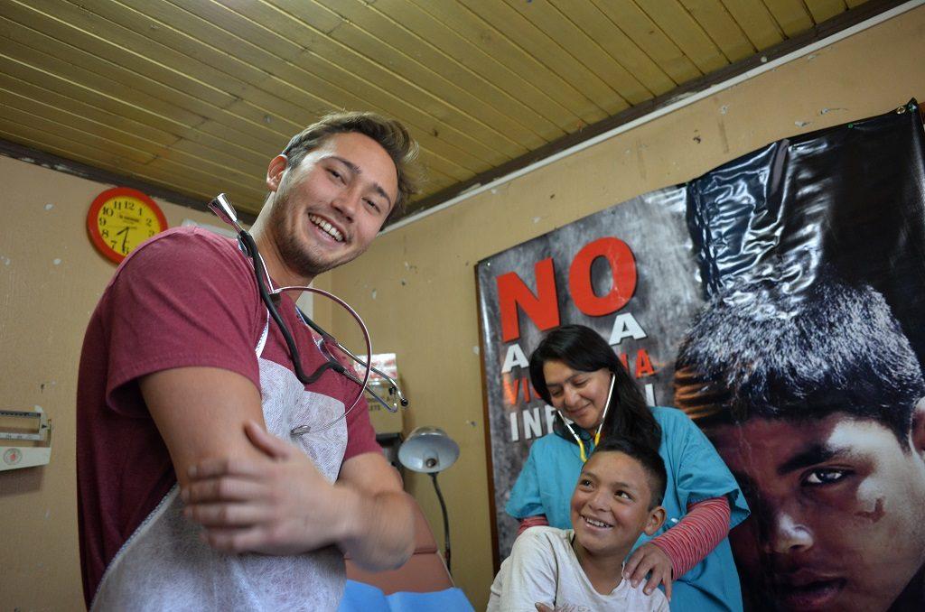 Medical-Volunteer-Central-America.jpg